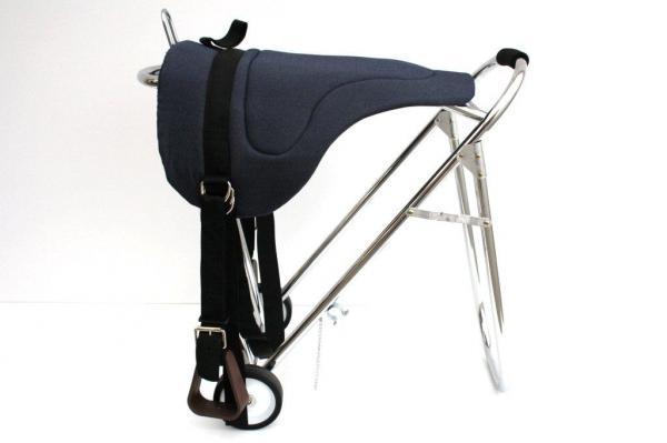 Bareback Pad mit Steigbügeln